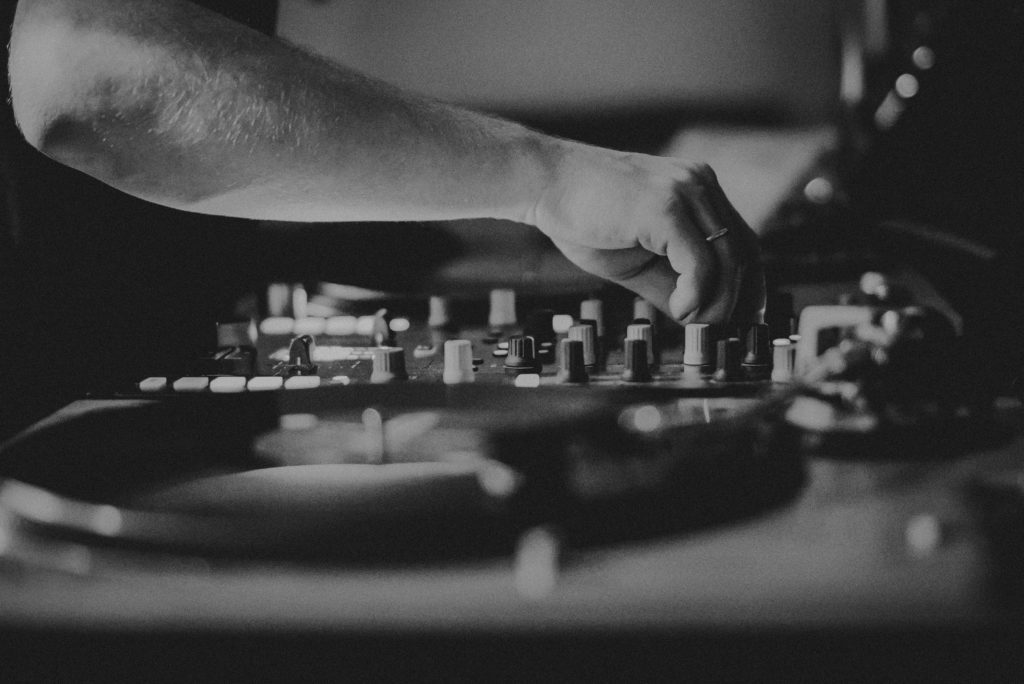 DJ 130db. Tims Mints